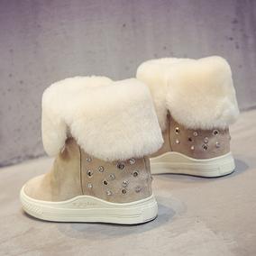 羊毛皮一体雪地靴女冬真皮铆钉水钻保暖厚底内增高坡跟短靴棉鞋女