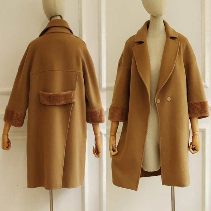 别致的后背开衩设计 袖口皮毛一体 17反季特卖手工双面羊毛大衣