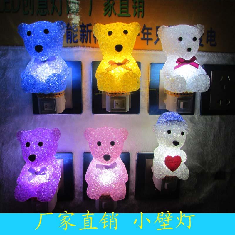 厂家批发新款EVA水晶软颗粒LED插电小夜灯节能小熊小壁灯地摊热销