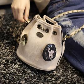艾迪猫水桶包2016新款潮链条女包时尚徽章单肩包斜挎包迷你小包包
