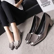 2017秋季新款单鞋女士浅口金属方扣鞋尖头粗跟中跟鞋韩版工作鞋女