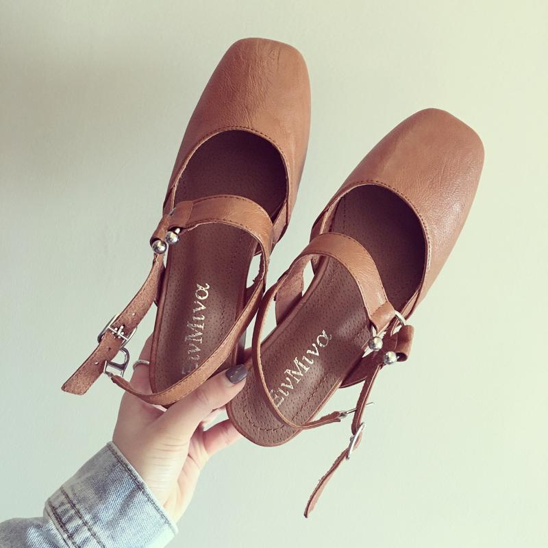 百搭淺口中跟涼鞋一字扣女鞋包頭學生復古瑪麗