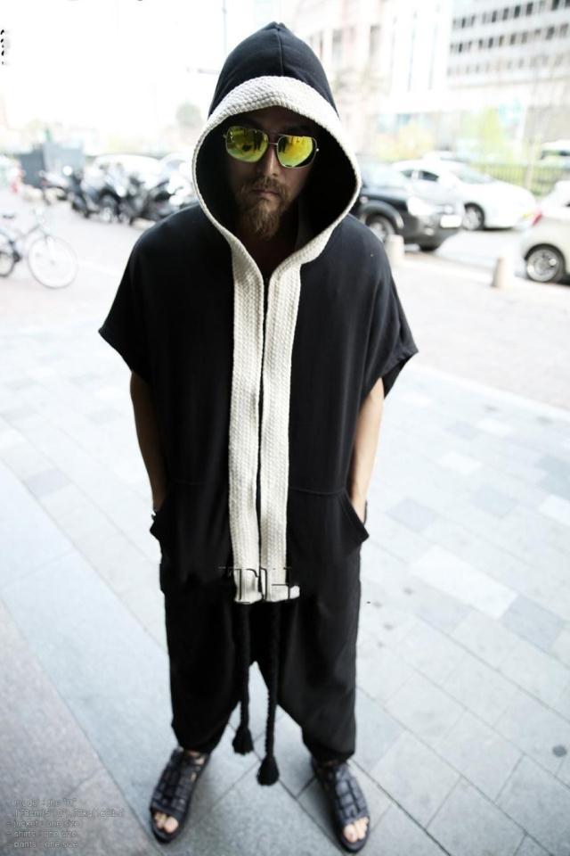 暗黑外套开衫原宿嘻哈连帽男潮牌连帽衫薄短袖蝙蝠衫夏季